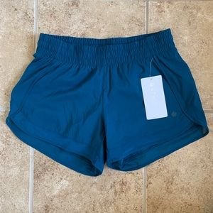 Athleta Mesh Racer Run Shorts